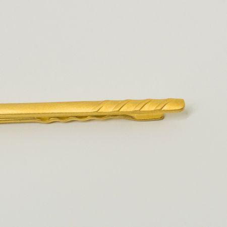 prendedor-de-gravata-dourado-fosco-com-detalhe-listrado