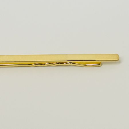 prendedor-de-gravata-dourado-com-detalhe-retangular
