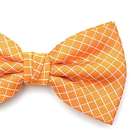 Gravata-borboleta-com-desenho-xadrez-em-poliester-Laranja-textura-medium