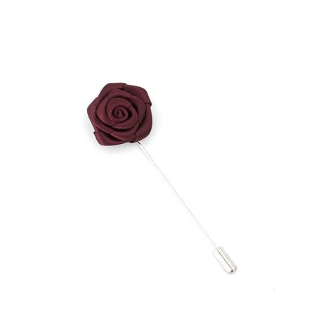 Pino-de-lapela-vinho-formato-de-flor-rosa