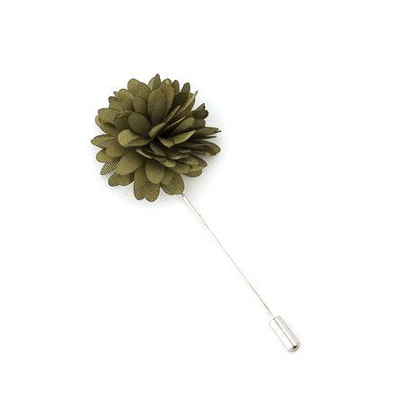 Pino-de-lapela-flor-crisantemo-verde-musgo