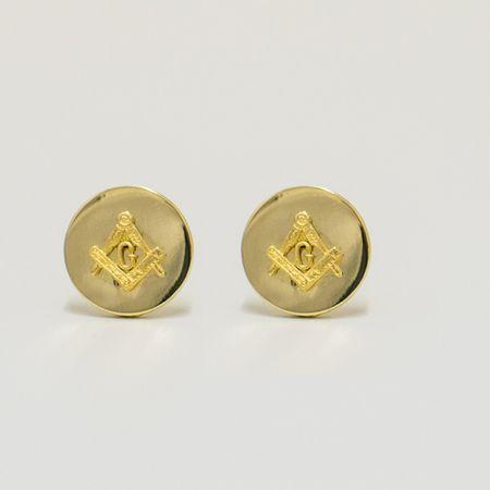 abotoadura-na-cor-dourada-formato-circular-detalhe-maconaria