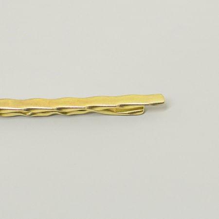 prendedor-de-gravata-dourado-com-detalhe-ondulado