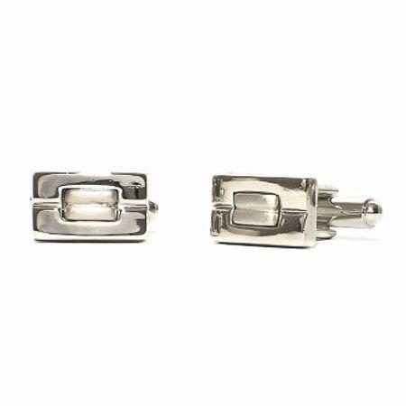 Abotoadura-na-cor-prata-formato-retangular-e-detalhe-na-cor-prata-fosca