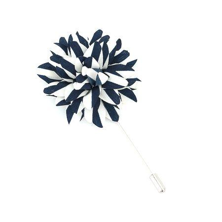 Pino-de-lapela-azul-marinho-com-branco-em-formato-de-flor-crisantemo