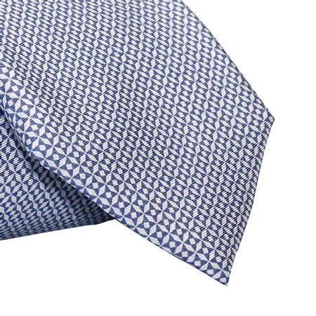 Gravata-Tradicional-seda-estampada-mosaico-azul-claro-com-fundo-branco1