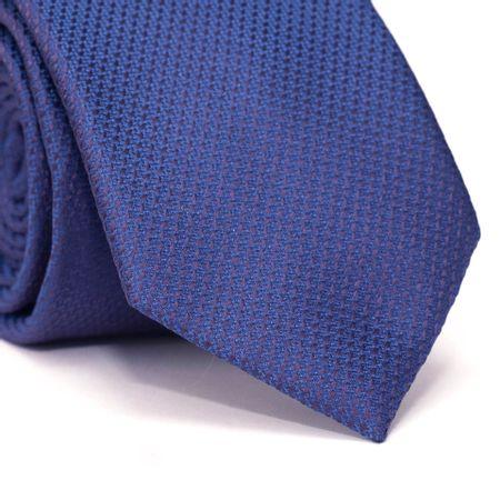 Gravata-Tradicional-em-Poliester-Falso-Liso-com-Detalhe-Roxo-com-Fundo-Azul