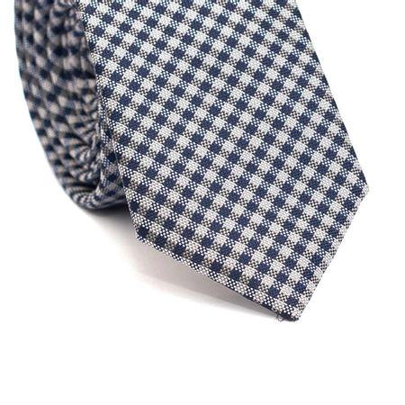 Gravata-Slim-em-Poliester-Xadrez-Cinza-e-Azul-Marinho-com-Detalhes-em-Preto-e-Branco