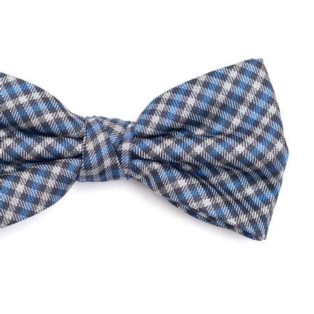Gravata-Borboleta-em-Poliester-com-Desenho-Xadrez-Cinza-e-Azul-com-Detalhes-Branco