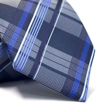 Gravata-tradicional-em-poliester-xadrez-em-tons-de-azul-e-branco