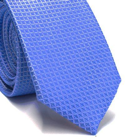 Gravata-slim-em-seda-azul-claro-com-detalhes-em-branco-na-trama