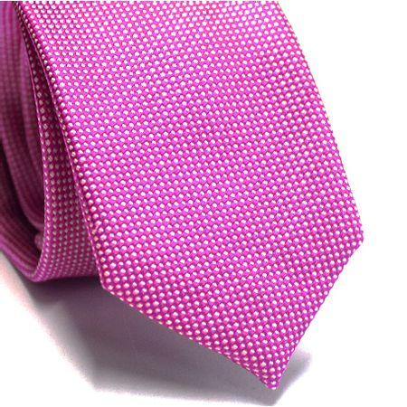 Gravata-slim-em-seda-rosa-com-detalhes-em-branco-na-trama