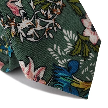 Verde-com-estampa-floral-1