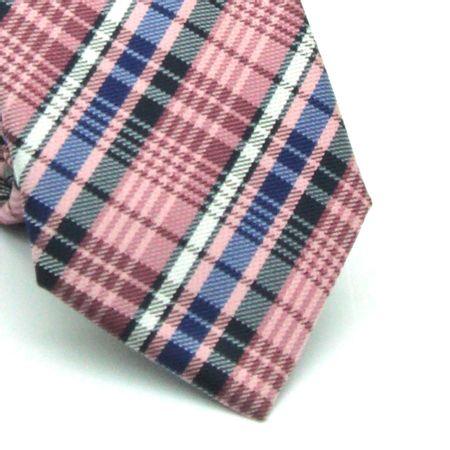 Gravata-slim-em-poliester-xadrez-rosa-branco-azul-e-preto